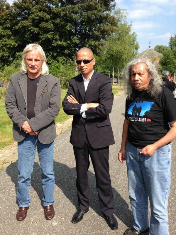 Jan Beckers, oom Unu en ik gisteren voor herdenking De 6 van De Punt
