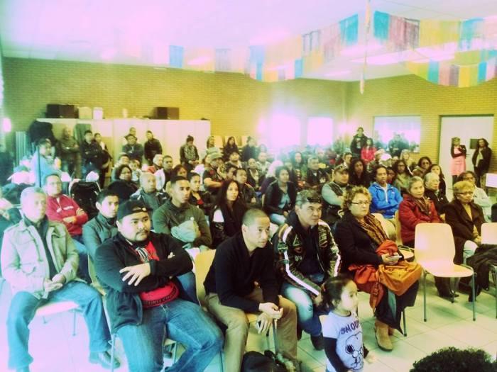 """Maluku Assen tijdens presentatie """"Jefta"""" in de Rehoboth kerk"""