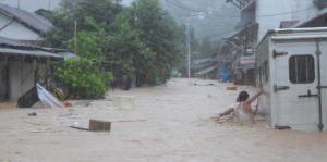overstroming-ambon1